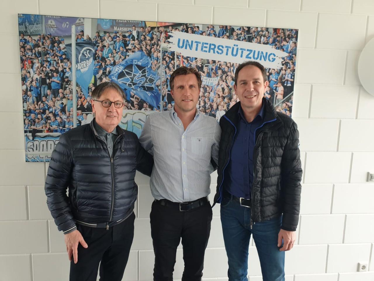 Die TuS Führung beim Manager des SC Paderborn 07